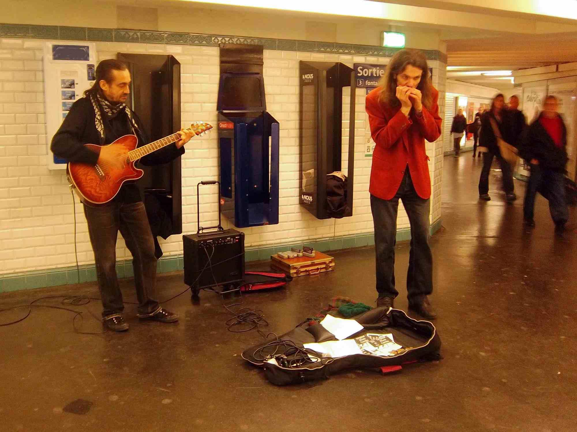 harmonica métro paris